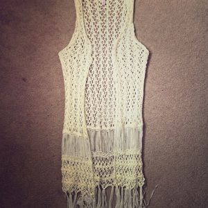 Cream/White Crochet Cardigan w/ Fringe